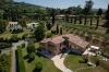 <b>Die Gartenanlage mit Chalets und Villen
