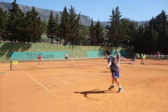 <b>lk-tenniscamp-familie-bol-doppel-1200x800.jpg