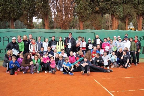 <b>lk-tenniscamp-familie-bol-gruppe.jpg