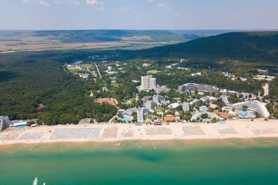 <b>Albena Resort