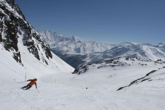 <b>Skifahren im Schnalstal