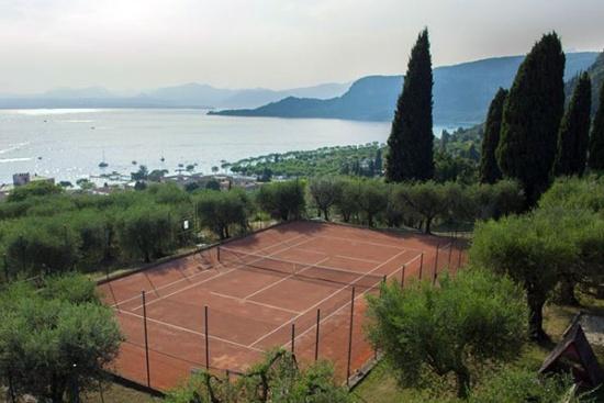 <b>TennisanlageArca-Gardasee-1.jpg