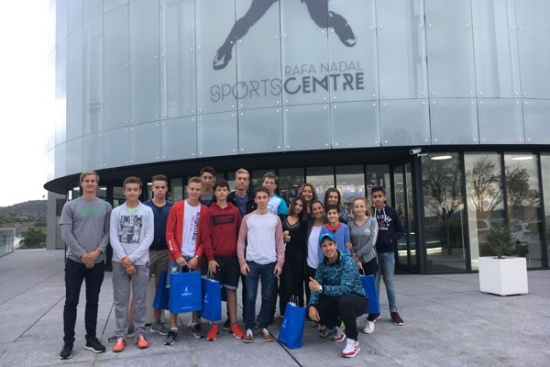 <b>Rafa Nadal Academy