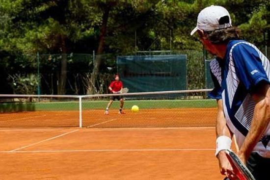 <b>Tenniscamps-ETA-Gold.jpg
