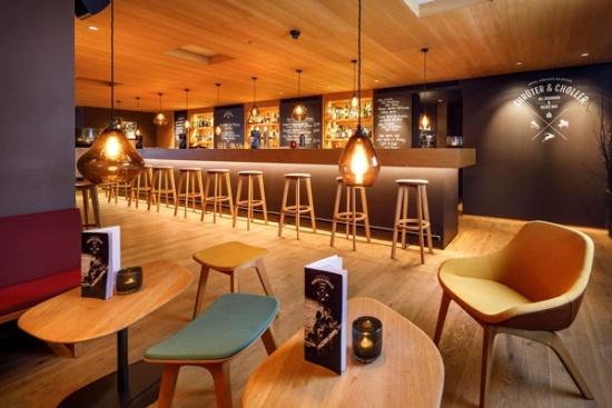 <b>Die gemuetliche Bar