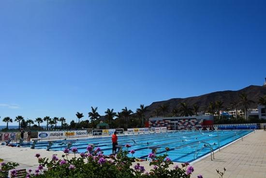 <b>Olympischer Pool