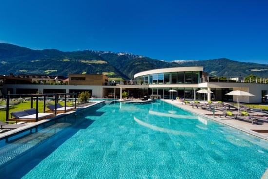 <b>Herlliche Poollandschaft im Hotel Prokulus