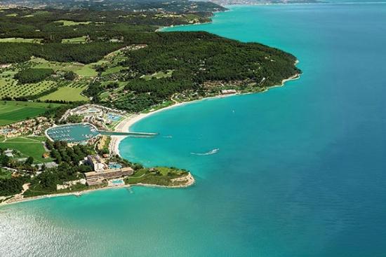 <b>Sani Resort aus der Luft