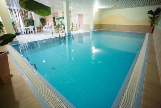 <b>Schwimmbad