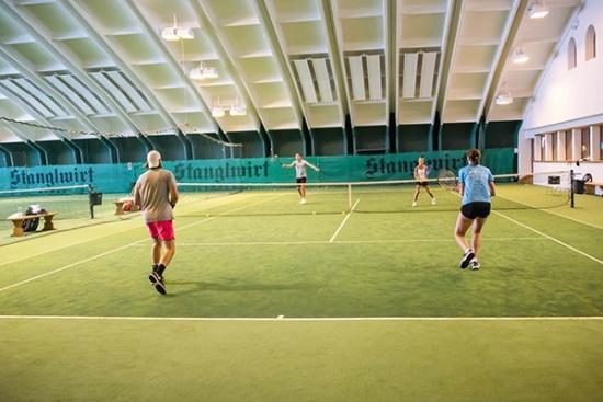 <b>Tennishotel-Stanglwirt-Tennishalle.jpg