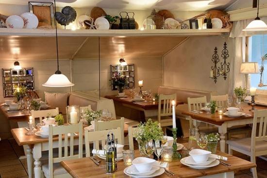 <b>Restaurant Seestueberl mit lokalen und internationalen Schmankerl