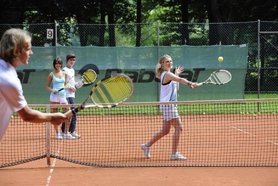 <b>Tennishotel-Wellnessgarten-Sepp-Baumgartner-Training2.jpg