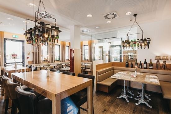 <b>Wirtshaus oder Haubenrestaurant ESSENZ