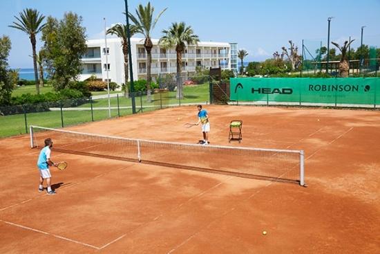 <b>10 Tennisplaetze