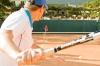 <b>Tennisspielen