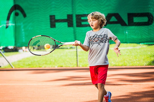 <b>Tenniscamp-Hotel-Post-Bezau-Kids-Training.jpg