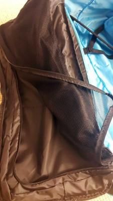TennisTraveller-Travelbagtest-Babolat-Tasche-innen