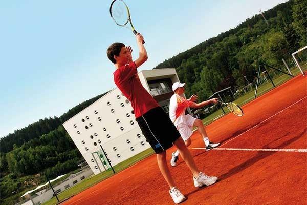 Tennishotel-Hotel-RoyalX-Kaernten-Sandplatz-TennisTraveller