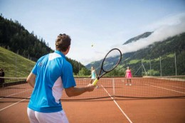 Tennishotel-Andreus-Resort-Italien-TennisTraveller-Tennis