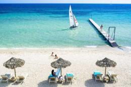 tennis-hotel-forte-village-sardinien-italien-strand