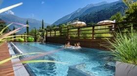 tennishotel-andreus-suedtirol-naturbadeteich