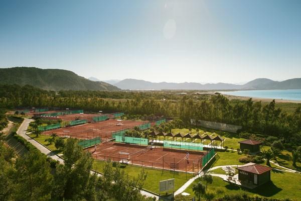 TennisTraveller-Tennishotel-Robinson-Sarigerme-Tennisanlage