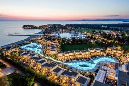 Tennishotel-Sani-Resort-Ansicht-TennisTraveller