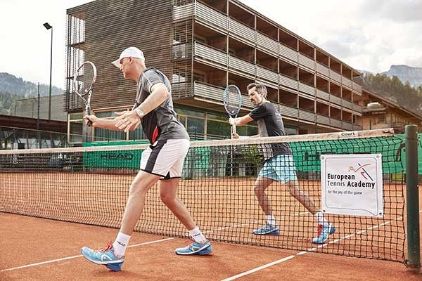 Tennis-Saisonvorbereitung im Hotel Post in Bezau, Österreich