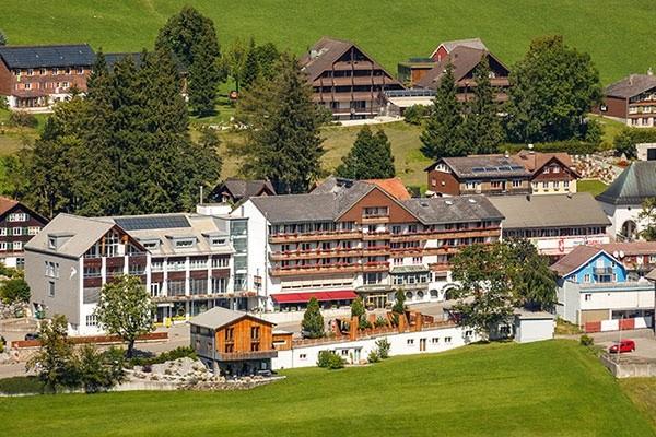 Tenniscamp im Hotel Hirschen Wildhaus in der Schweiz
