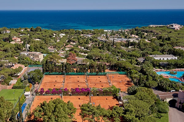 Tenniscamp im Forte Village Resort zur Saisonvorbereitung