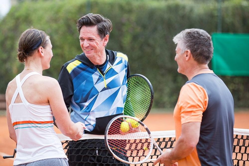 Tenniscamp für Singles und Alleinreisende im Forte Village