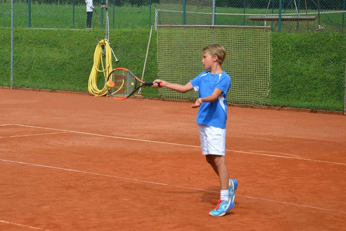 Tennis-Sportwoche für Kids in Tirol