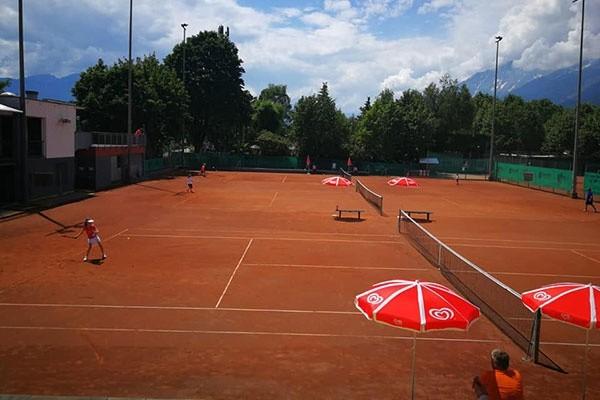 Englisch mit Tennis-Sportwoche für Kids in Tirol
