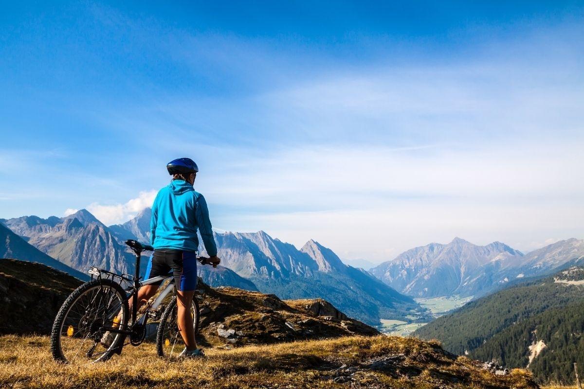 Tennis & Bike-Special im Hirschen