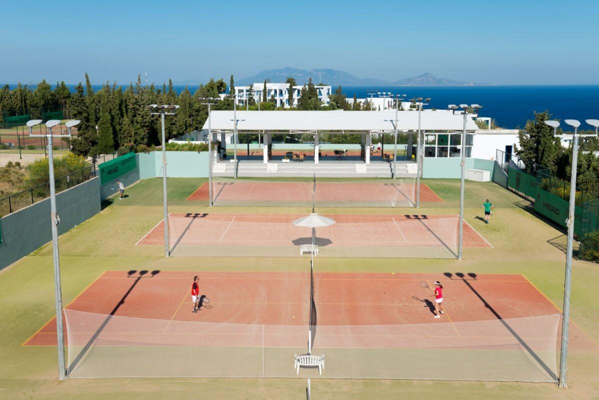 Tenniscamps mit Patrik Kühnen im ROBINSON Club Daidalos