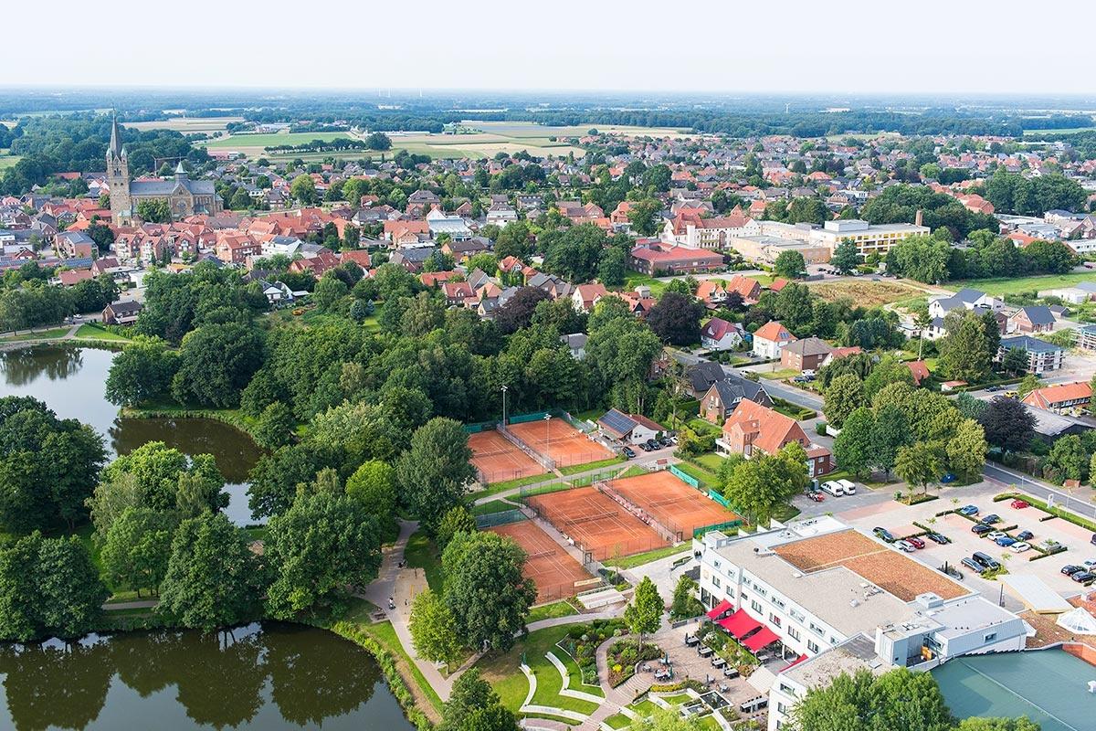 Tennis-Arrangements im See- und Sporthotel Ankum